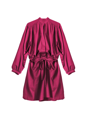 Mini robe chemise en soie rose isolated over white Banque d'images