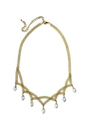 Elegante goldene Halskette mit weißen Perlen drpos isoliert über weiß