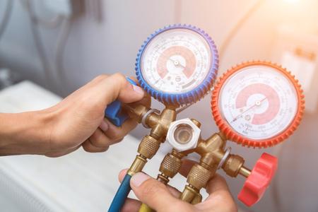 manometers meetapparatuur voor het vullen van airconditioners