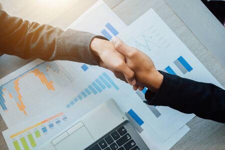 Concept of partnership - handshake business partners Successful team leader entrepreneurship . 免版税图像 - 149435418