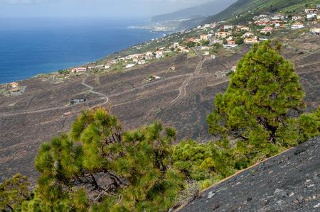 scoria: View off the edge of Tenegua Volcano in northern direction towards Las Indias and Puerto Naos, La Palma, Canary Islands, Spain Stock Photo