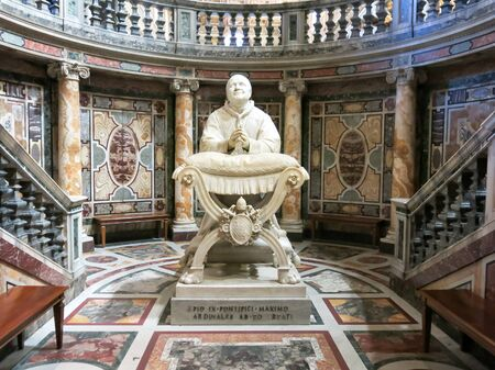 ix: Statue Pope Pius IX in Basilica di Santa Maria Maggiore or Basilica of Saint Mary Major, the largest Catholic Marian Church and one of the four major basilica in Rome, Italy