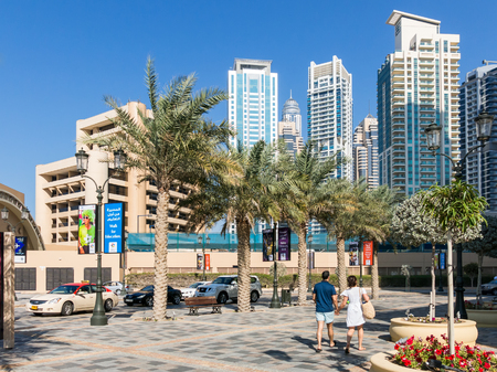 walk in: The Walk Promenade in the Marina district of Dubai, United Arab Emirates