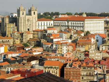 se: Panorama view of historic district Ribeira with Se Cathedral and Episcopal Palace in Porto, Portugal Editorial