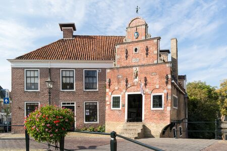Old corn bearers house on Zilverstraat canal in the city of Franeker, Friesland, Netherlands 報道画像