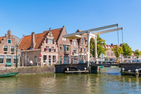 draw bridge: Hofstraatbrug drawbridge over Oudegracht canal in Alkmaar, North Holland, Netherlands