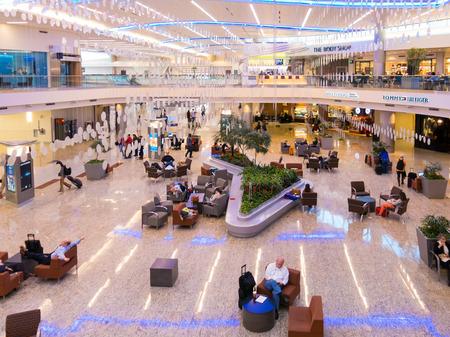 jackson: People, shops and restaurants in Maynard H Jackson Jr terminal on Hartsfield Jackson International airport in Atlanta, Georgia, USA