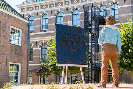 rembrandt: Statue of painter Rembrandt on Rembrandt Square in old town of Leiden, South Holland, Netherlands
