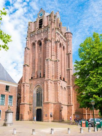 WIJK BIJ DUURSTEDE, NEDERLAND - 11 juni 2017: Grote kerk of Saint John the Baptist Church in Wijk bij Duurstede in provincie Utrecht, Nederland Stockfoto - 81825719