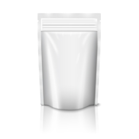 Plastic Reißverschlusstasche isoliert auf weißem Hintergrund Standard-Bild - 40977411