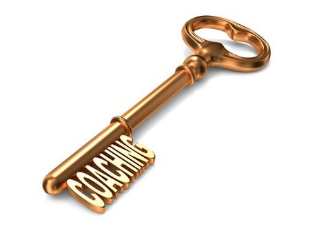 코칭 - 흰색 배경에 황금 열쇠를. 3D 렌더링. 비즈니스 개념입니다.