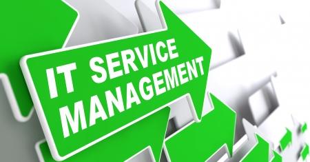fleche verte: Service Management - IT Concept. Green Arrow avec �IT Service Management� Slogan sur un fond gris. Rendu 3D. Banque d'images