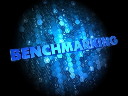 Benchmarking - Blau Farbe Text auf digitale Hintergrund.