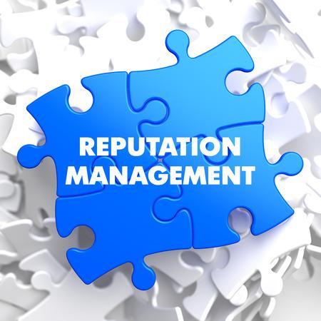 Reputation Management auf Blau Puzzle auf weißem Hintergrund