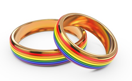 discriminacion: Boda gay del arco iris anillos aislados sobre fondo blanco.