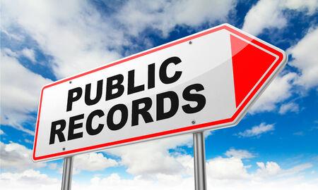 Public Records - Inschrift auf Red Straßenschild am Himmel Hintergrund.