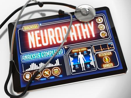 lepra: Neuropat�a - Diagn�stico de la pantalla de la tableta m�dico y un estetoscopio Negro sobre fondo blanco. Foto de archivo