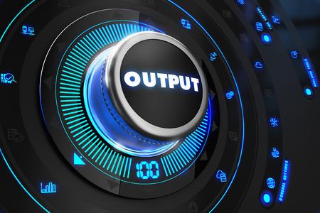 ブルーバック ライト付き黒コントロール コンソールの出力コント ローラー。増加、改善、コントロールまたは管理の概念。