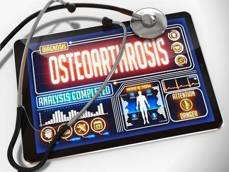 distal: La osteoartrosis - Diagn�stico de la pantalla de la tableta m�dico y un estetoscopio Negro sobre fondo blanco.