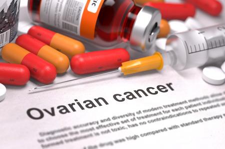 Eierstockkrebs - Gedruckt Diagnose mit roten Pillen, Injektionen und Spritze. Medizinische Konzept mit Tiefenschärfe.