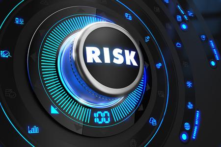 Risk Controller Black Control Console met blauwe achtergrondverlichting. Verbetering, regulering, controle of concept. Stockfoto