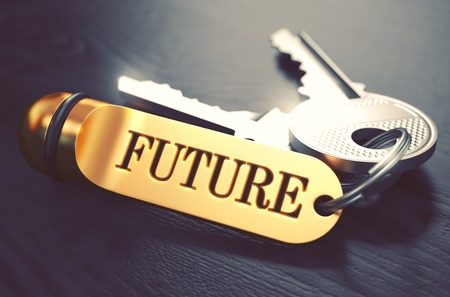 cronologia: Concepto Futuro. Teclas con oro llavero en mesa de madera Negro. Vista de cerca, foco selectivo, 3D rinden. Imagen virada. Foto de archivo
