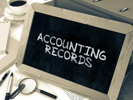 registros contables: Hand Drawn Registros Contables concepto en la pizarra. Fondo enmascarado. Imagen virada. Foto de archivo