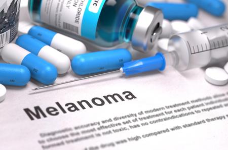 insolaci�n: Melanoma - Impreso Diagn�stico con las p�ldoras azules, inyecciones y jeringas. Concepto m�dico con enfoque selectivo.