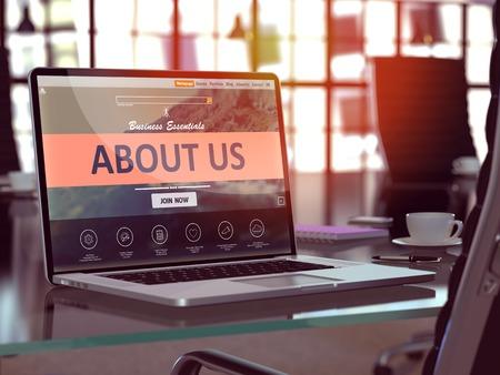Ber uns Konzept Nahaufnahme auf Laptop-Bildschirm in der modernen Büroarbeitsplatz. Getönt mit Tiefenschärfe. Standard-Bild - 50872423