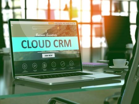 Cloud CRM - Gestion de la relation client - Concept - Gros plan sur l'écran d'un ordinateur portable dans un bureau moderne. Image tonique avec mise au point sélective. 3D.