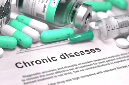 Diagnóstico - Las enfermedades crónicas. Informe Médico Composición de Medicamentos - píldoras verde claro, inyecciones y una jeringa. Antecedentes borrosa con enfoque selectivo. Render 3D. Foto de archivo