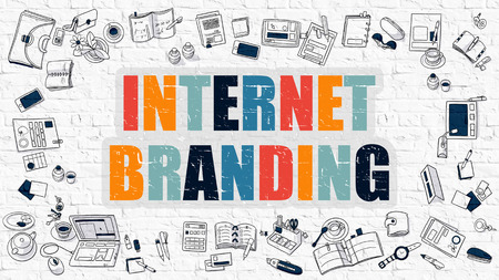 Internet Branding Concept. Moderne lijnstijl illustratie. Multicolor internet branding op witte bakstenen muur getekend. Doodle pictogrammen. Doodle ontwerpstijl van Internet branding Concept.