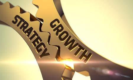 crecimiento: Estrategia de crecimiento sobre el mecanismo de engranajes metálicos de oro. Estrategia de crecimiento sobre el mecanismo de ruedas dentadas de oro con destello de lente. Estrategia de Crecimiento - Ilustración con efectos de luz brillante. 3D. Foto de archivo