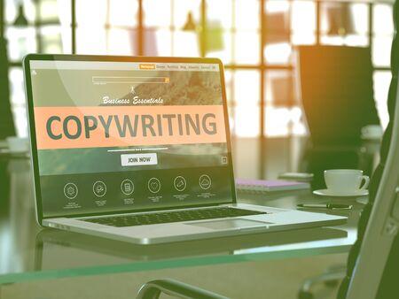 Modern Werkplek met laptop blijkt landing page met Copywriting Concept. Afgezwakt beeld met selectieve aandacht. 3D Render.