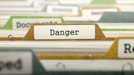 imminence: Carpeta de archivos etiquetados como Danger en multicolor Archivo. Primer punto de vista. Imagen borrosa. Render 3D.