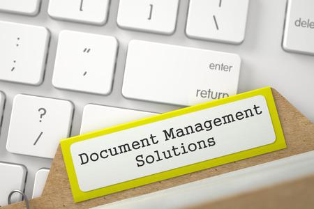 document management: Document Management Solutions. Ordenar amarilla Tarjeta de �ndice en el fondo blanco de la PC del teclado. Concepto de negocio. Primer punto de vista. Ilustraci�n borrosa. Representaci�n 3D. Foto de archivo