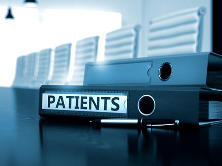 pacientes: Pacientes - negocio ilustración. Pacientes - Carpeta de Office en la tabla de funcionamiento. Los pacientes - concepto de negocio en el fondo borroso. 3D. Foto de archivo