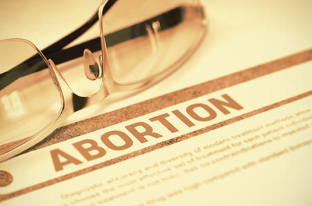 poronienie: Aborcja - Koncepcja medyczna na czerwonym tle z Niewyraźne Tekst i skład okularów. Renderowanie 3D.