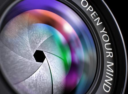 Aprite il vostro concetto di mente. Primo piano foto della macchina fotografica Obiettivo con rosa e arancio e di riflessione Iscrizione aprire la mente. Obiettivo di macchina fotografica reflex con brillanti colorate Flares. Aprite il vostro concetto di mente. 3D.