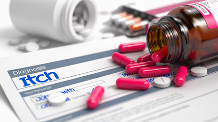 prickling: Itch Wording in Disease Extract. CloseUp View of Medical Concept. Itch - Handwritten Diagnosis in the Anamnesis. Medicine Concept with Heap of Pills, Close View, Selective Focus. 3D. Stock Photo