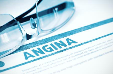 angina: Diagnóstico - Angina de pecho. Concepto de la medicina con el texto velado y vasos sobre fondo azul. Enfoque selectivo. Representación 3D.