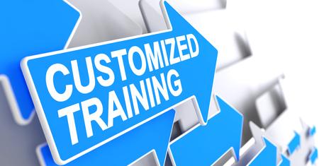 Training op maat - blauwe cursor met een tekst die de richting van het bewegen aangeeft. Aangepaste training, tekst op blauwe pijl. 3D illustratie. Stockfoto