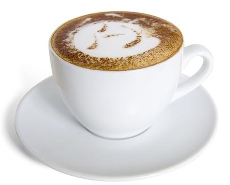 kroes: Een kopje cappuccino met melkschuim en kaneel. Stockfoto