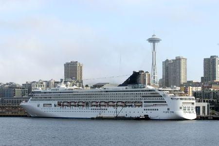 Alaskan cruise liner photo