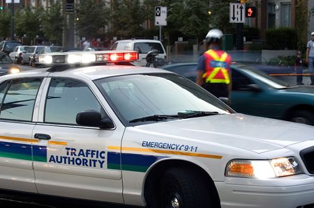 warden: Polic�a bloqueando la calle  Foto de archivo