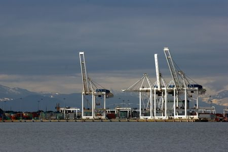 Port cranes in Vancouver Stock Photo - 396295