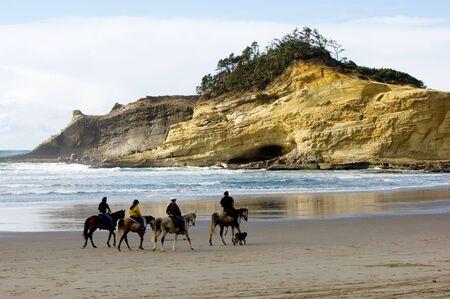 vacancier: Centre �questre, Cannon plage, c�te de l'Oregon, Etats-Unis Banque d'images
