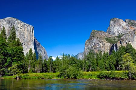 el capitan: El Capitan and Lower Falls, Yosemite National park, California Stock Photo