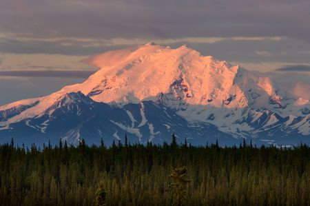 alaska scenic: Mountains of Wrangell- St. Elias National park in Alaska
