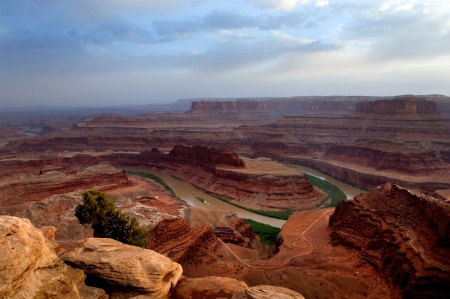canyonland: View of Colorado river running in Dead Horse point state park, Utah